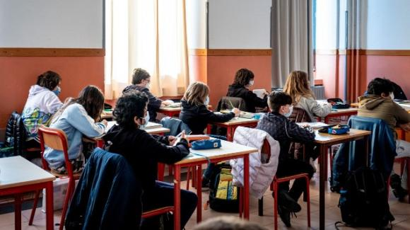 Scuola media in totale crisi: studenti poco preparati e insegnanti precari