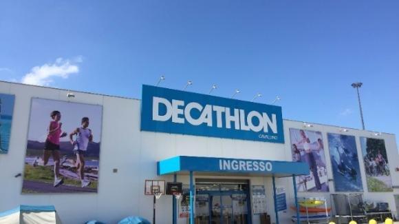 Lecce, furto ad un punto vendita Decathlon: ladri via con 10.000 euro