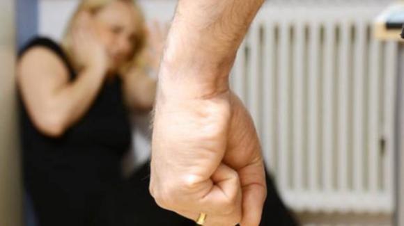 Roma, dopo le nozze simbolo abbandona e maltratta la moglie disabile: l'attore a processo