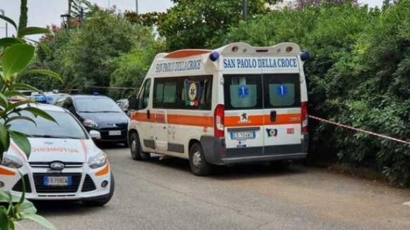 Roma, ex carabiniere uccide la moglie e poi si toglie la vita a Velletri