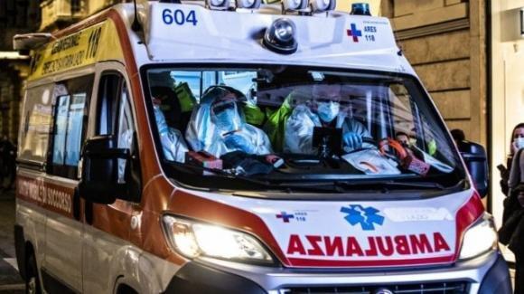 Lecce, riceve il vaccino anti Covid: adolescente muore il giorno dopo per arresto cardiaco