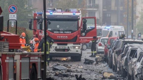 Milano, aereo caduto a San Donato Milanese: nessun allarme lanciato dal pilota