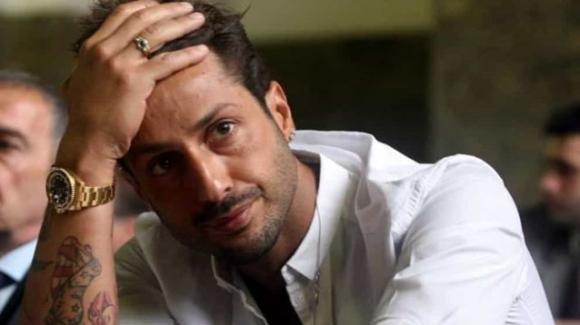 Genova, Fabrizio Corona beccato fuori da un locale: è evaso dagli arresti domiciliari