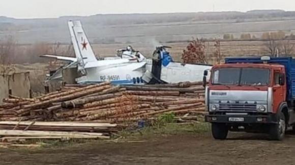 Russia, cade un aereo: morti 16 paracadutisti