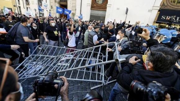 Incidenti a Roma: il governo corre ai ripari, sarà più rigido nell'autorizzare manifestazioni