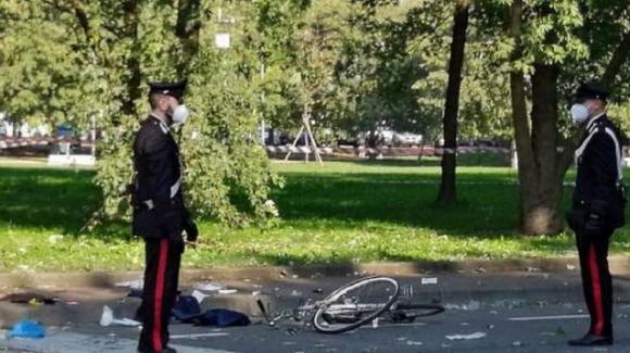 Milano, crivellato di colpi in sella alla sua bici: omicidio a Buccinasco