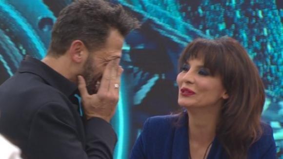 """GF Vip, la dichiarazione d'amore di Pago a Miriana: """"Stai facendo un percorso bellissimo, sei un angelo"""""""