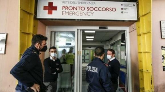 """Roma, No Green Pass aggredisce i medici al Pronto Soccorso: """"Non sono un violento"""""""