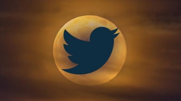 Twitter: ufficiale la dark mode adattiva alle impostazioni di sistema