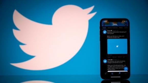 Twitter: test downvote (di nuovo), test switch semplificato verso feed cronologico e rumors vari