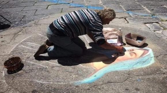 Lecce, artista di strada trovato morto vicino la stazione: è stato aggredito, un arresto