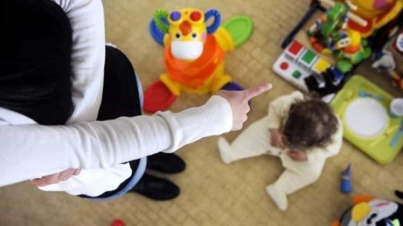 Lecce, condannata una maestra: avrebbe picchiato un bimbo disabile