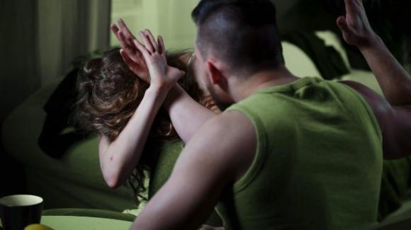 Foggia, padre abusava della figlia minorenne: arrestato