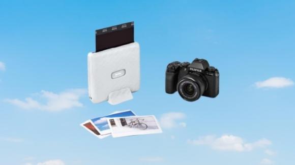 Instax Link WIDE: da Fujifilm la nuova stampante compatta a sviluppo istaneaneo