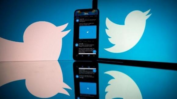 Twitter: al via il test per pompare le pubblicità anche tra i commenti e iniziative per Spaces Audio
