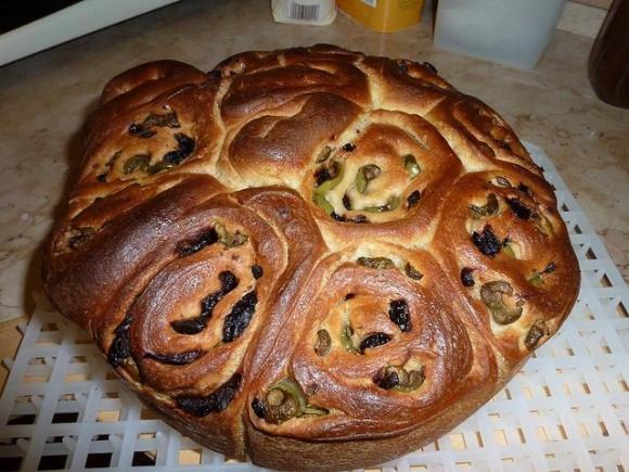 Come preparare la Torta di Rose alle Olive con il Bimby