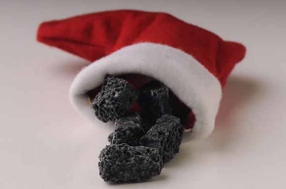 Carbone dolce della befana, nero o colorato