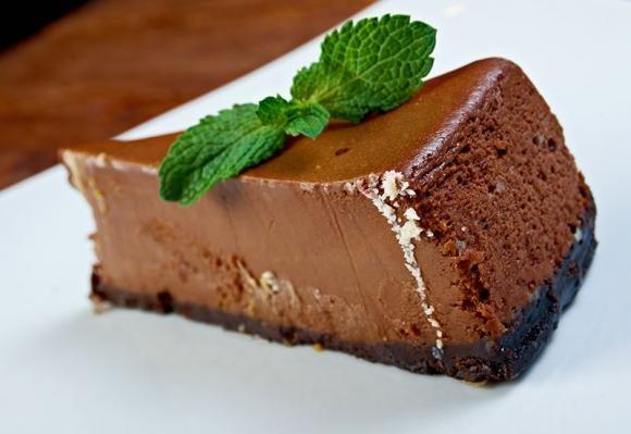 Cheesecake light in tre varianti: mango, cioccolato e menta, cioccolato e burro di arachidi