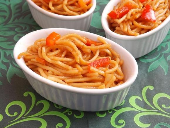 Tagliolini in salsa di zucca e salsiccia