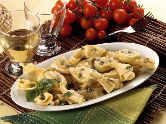 Caramelle di pasta con ricotta e spinaci