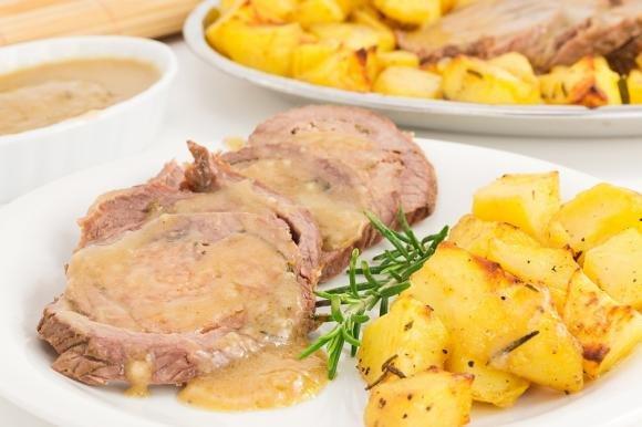 Arrosto di vitello al forno con patate