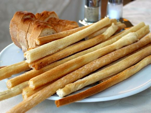 Ricetta Grissini Fatti In Casa Senza Lievito.Ricetta Grissini Fatti In Casa Come Farli E Varianti Fidelity Cucina