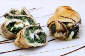Involtini di pollo con spinaci e scamorza