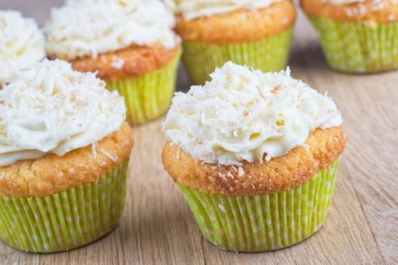 Cupcake al cioccolato bianco con crema al cocco