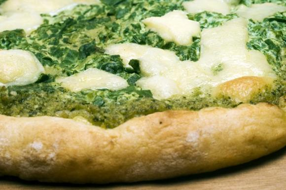 Pizza con patate e pesto
