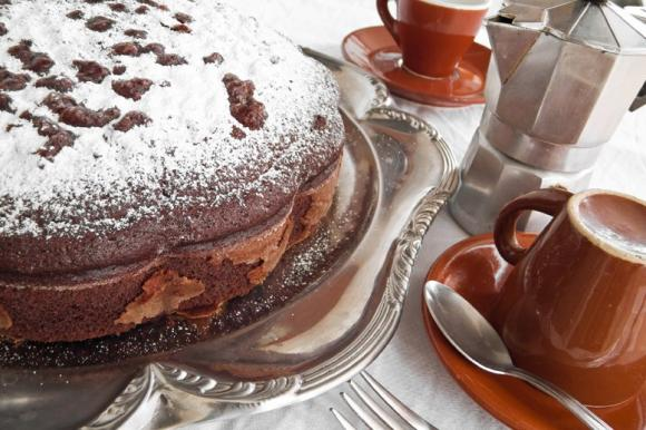 Torta con albumi al cacao