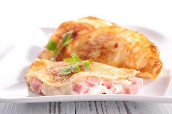 Crepes salate con prosciutto cotto e besciamella
