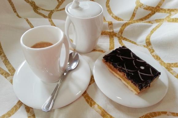 Tranci di cioccolato e marmellata