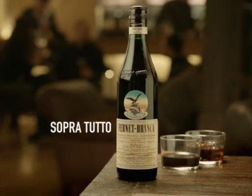Un bicchiere di Fernet Branca: il modo migliore per celebrare le emozioni ed i valori della vita