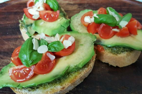 Bruschetta all'avocado