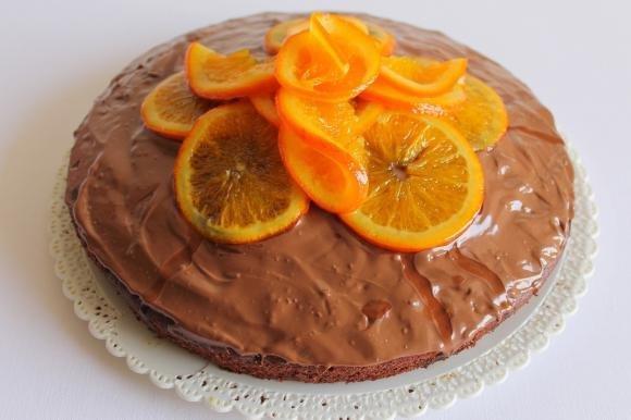 Torta al cioccolato e arance caramellate