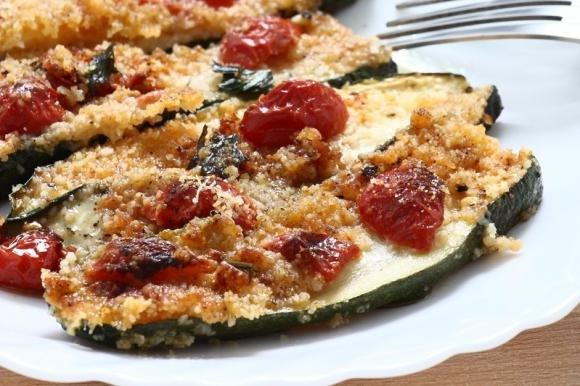 Zucchine impanate con pomodorini
