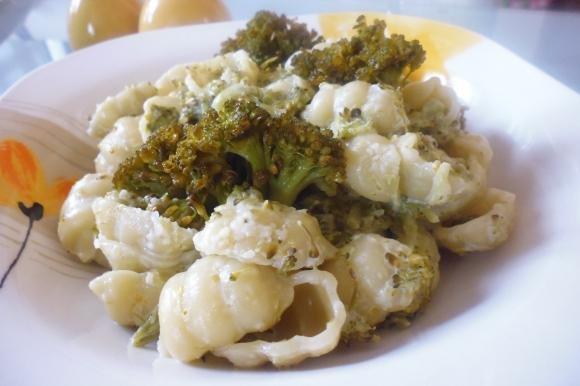 Gnocchi con broccoli e panna