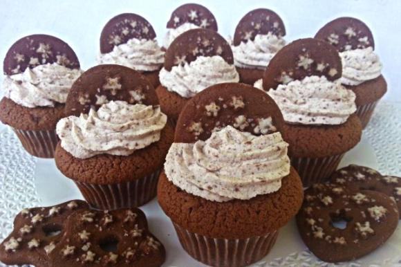 Cupcake al cioccolato panna e Pan di Stelle
