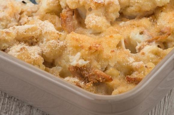 Cavolfiore gratinato al forno con prosciutto e formaggio