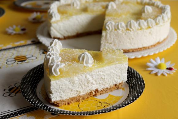 Cheesecake all'ananas e cioccolato bianco