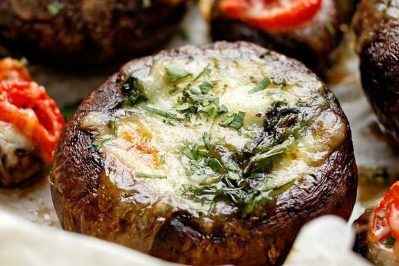 Funghi ripieni al formaggio
