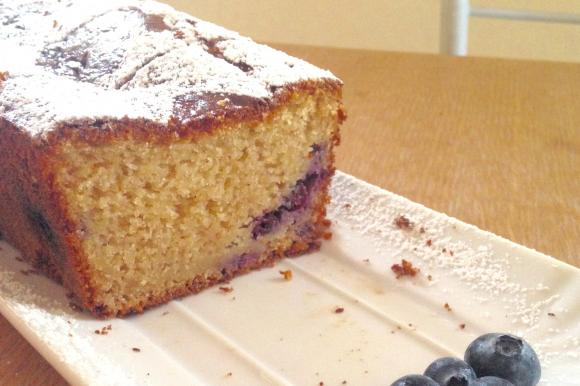 Plumcake con yogurt greco e mirtilli