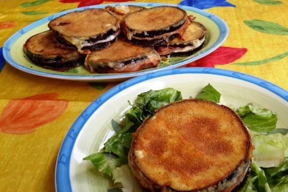 Sandwich di melanzane con mortadella