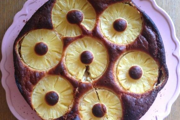 Torta all'ananas con farina di avena