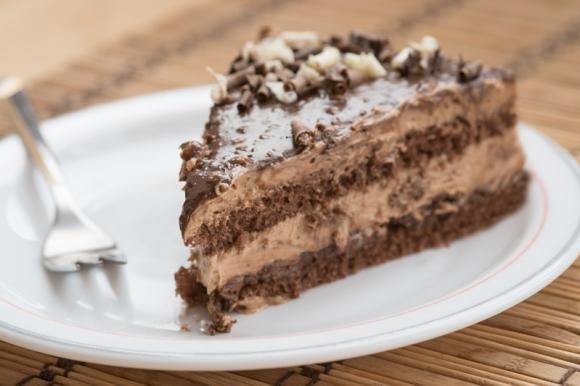 Torta al cioccolato con panna alla nutella