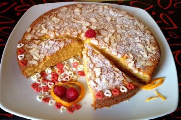 Torta soffice con farina di mais e mandorle bimby