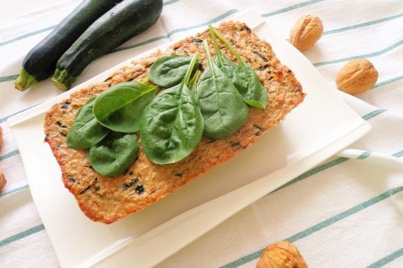 Sformato di zucchine, noci e spinaci al forno