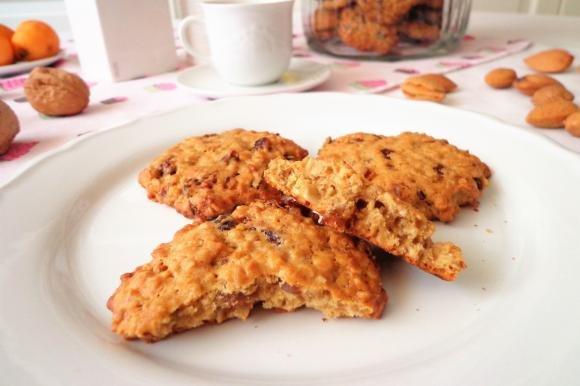 Biscotti ai fiocchi d'avena con frutta secca