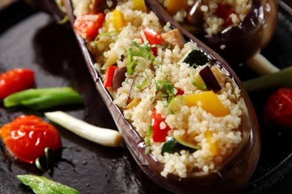 Melanzane ripiene di couscous di verdure