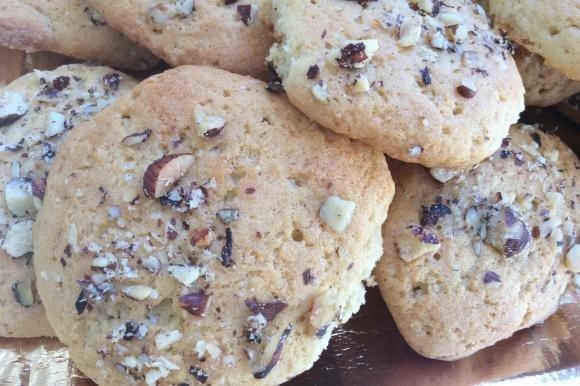 Biscotti con granella di nocciole